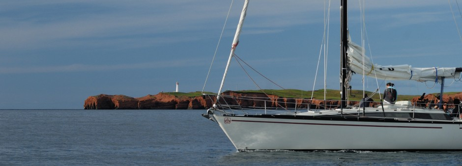 Sailing around the Îles de la Madeleine
